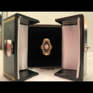 Art Deco 14k gold ring with diamond